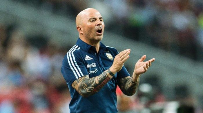 Sampaoli must decide which forward to entrust for vital qualifiers