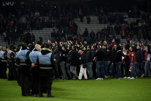 Lille fans turn on players as relegation looms